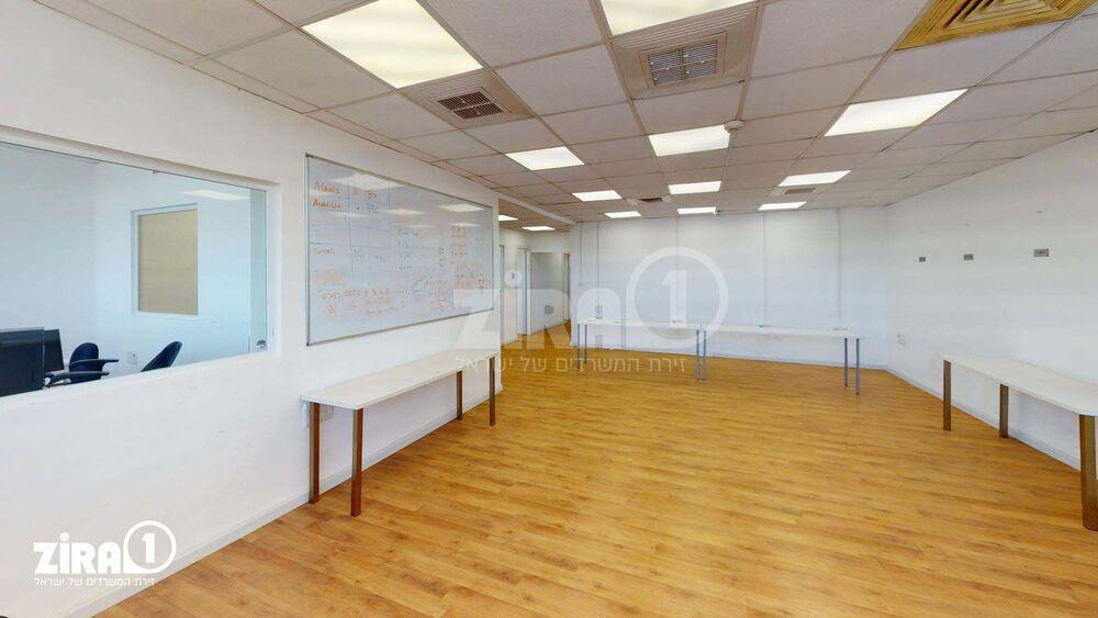 משרד בבניין מבני תל-עד  | קומה 2 | שטח 163מ״ר  | תמונה #0 - 1