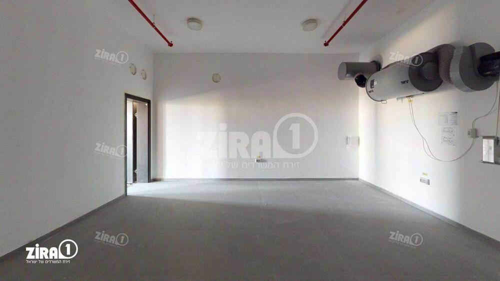 משרד בבניין K-CENTER   קומה: 3   שטח 184 תמונה   מ׳׳ר #17 - 1