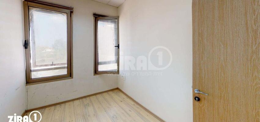 משרד בבניין בית שמעיה   קומה 3   שטח 100מ״ר    תמונה #0 - 1