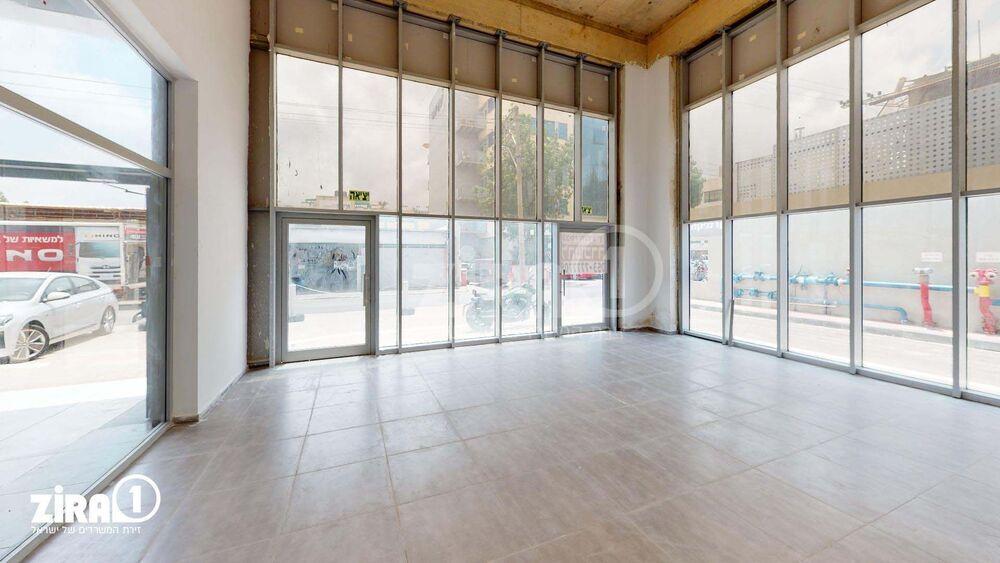 משרד בבניין בית פתן   קומה 0   שטח 100מ״ר    תמונה #0 - 1