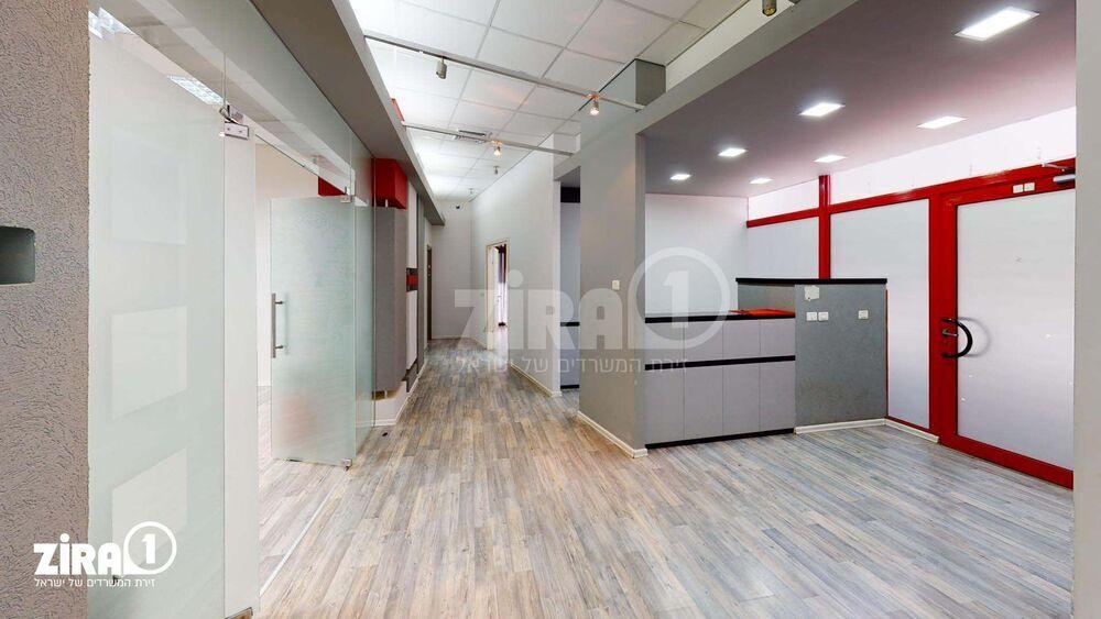 משרד בבניין בית קורקס A | קומה 0 | שטח 746מ״ר  | תמונה #0 - 1