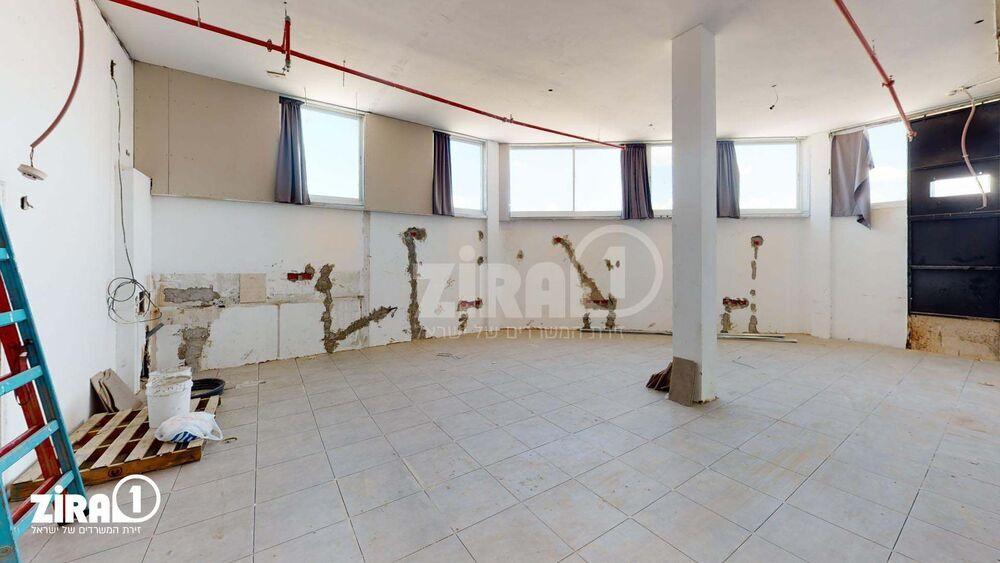משרד בבניין בית אסף | קומה: 2 | שטח 125 תמונה | מ׳׳ר #22 - 1