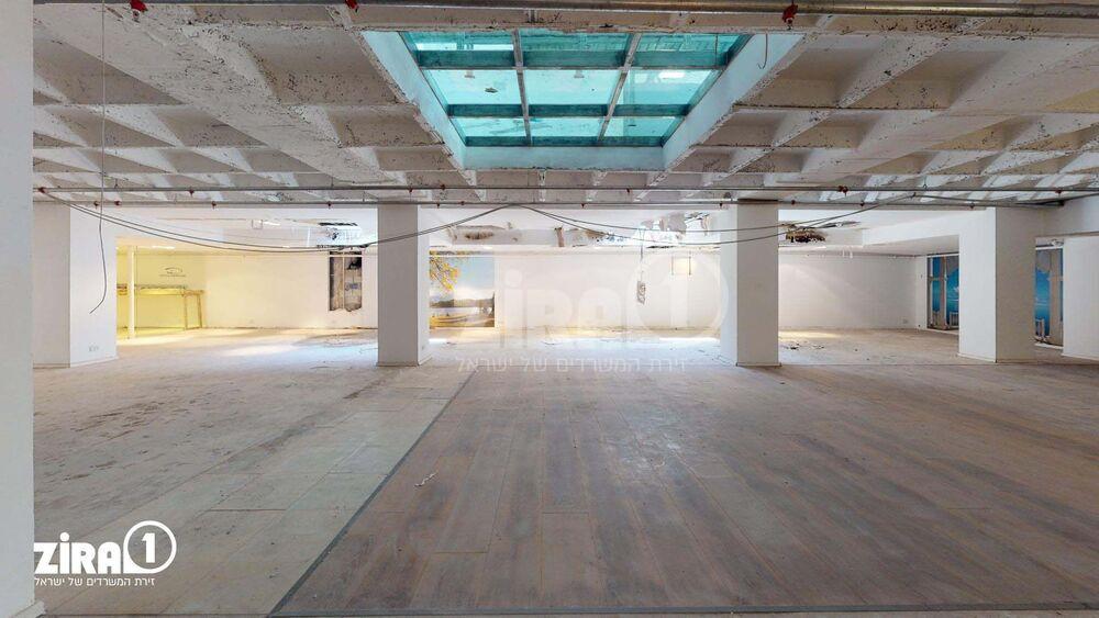 משרד בבניין מבני תל-עד    קומה: -1   שטח 500 תמונה   מ׳׳ר #2 - 1