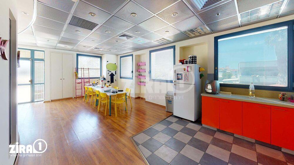 משרד בבניין בית כנרת | קומה 1 | שטח 390מ״ר  | תמונה #0 - 1