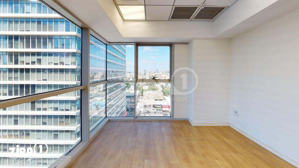 משרד בבניין בית נועה   קומה: 10   שטח 154 תמונה   מ׳׳ר #18 - 1