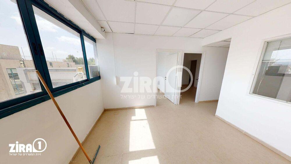 משרד בבניין יד חרוצים 10 | קומה: 2 | שטח 88 תמונה | מ׳׳ר #14 - 1