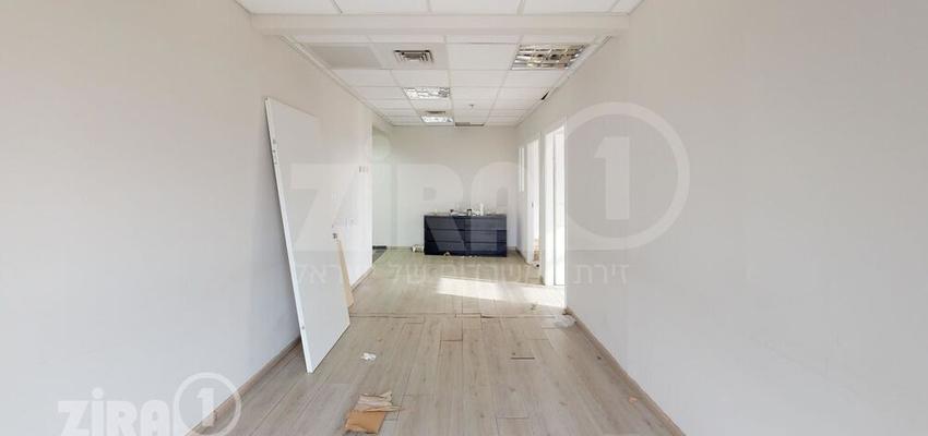 משרד בבניין מגדל UMI   קומה 1   שטח 281מ״ר    תמונה #0 - 1