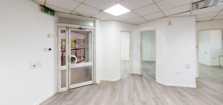 משרד בבניין בית קליפורניה  | קומה 1 | שטח 100מ״ר  | תמונה #0 - 1