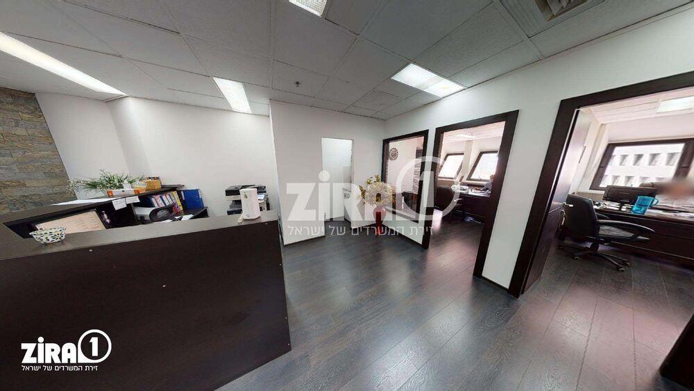משרד בבניין מרכז הטקסטיל והאופנה | קומה 12 | שטח 148מ״ר  | תמונה #0 - 1