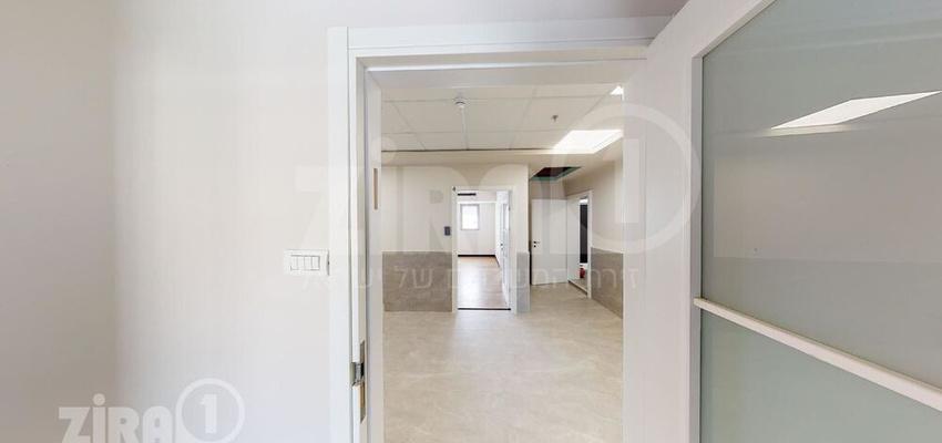 משרד בבניין היצירה 12   קומה null   שטח 45מ״ר    תמונה #0 - 1