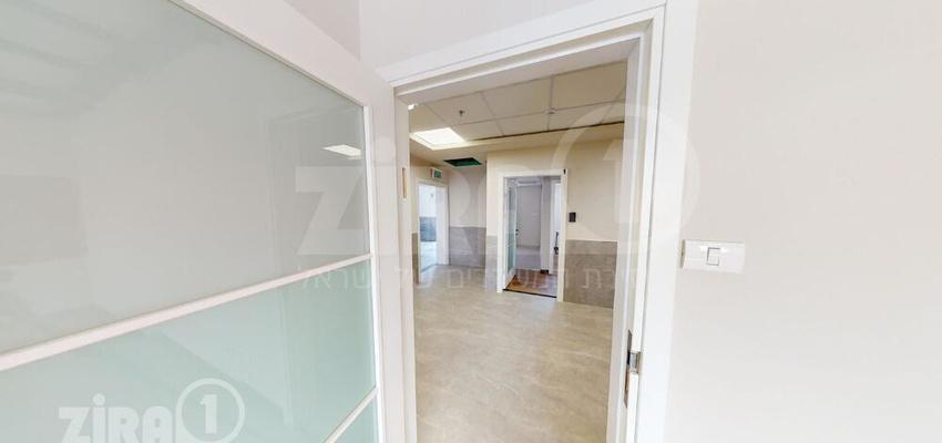 משרד בבניין היצירה 12   קומה 3   שטח 45מ״ר    תמונה #0 - 1