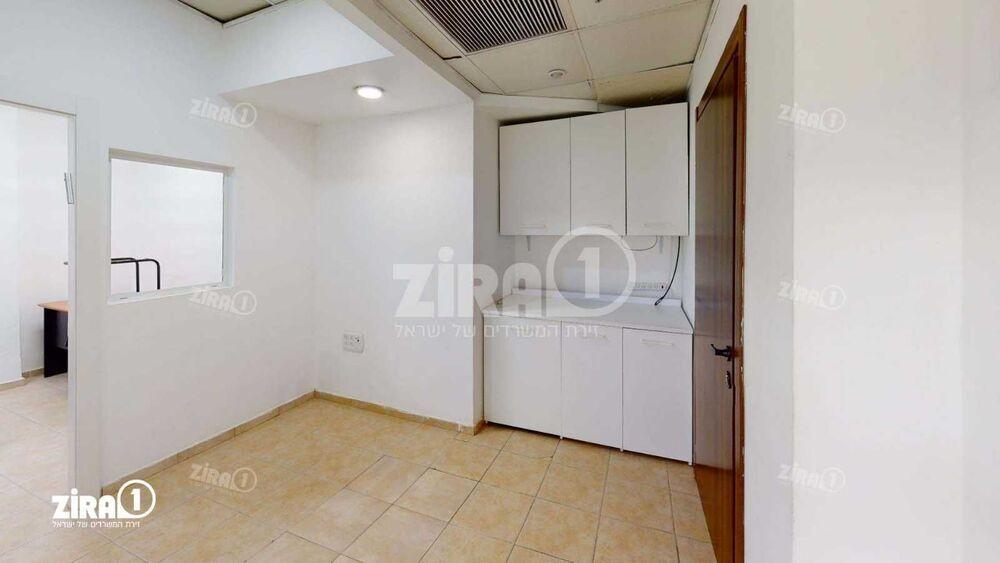 """משרד בבניין התע""""ש 10   קומה 0   שטח 45מ״ר    תמונה #0 - 1"""