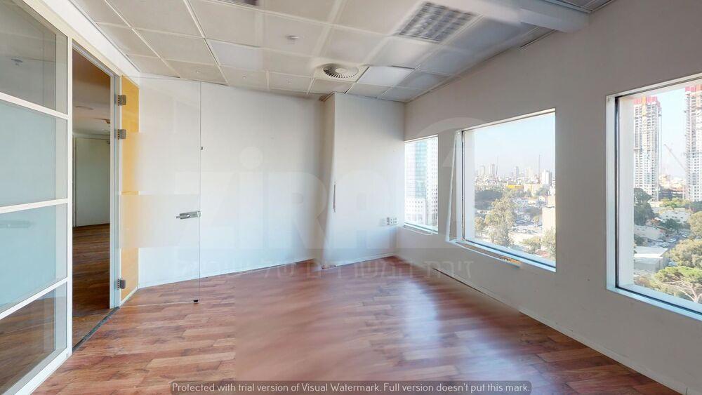 משרד בבניין בניין עזריאלי  - מגדל עגול | קומה 17 | שטח 204מ״ר  | תמונה #0 - 1
