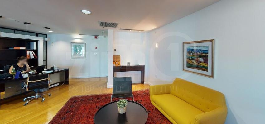 משרד בבניין בניין עזריאלי  - מגדל עגול   קומה 19   שטח 327מ״ר    תמונה #0 - 1