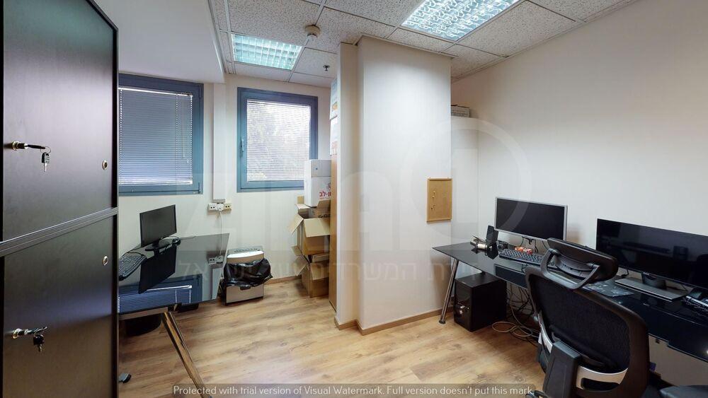 משרד בבניין גוש עציון 13 | קומה 1 | שטח 91מ״ר  | תמונה #0 - 1