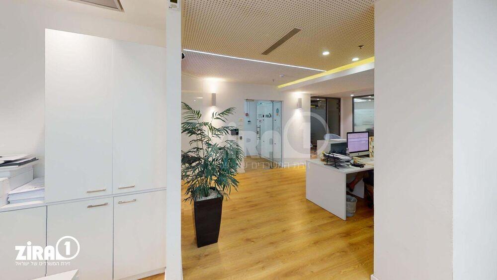 משרד בבניין אודם 14 | קומה 4 | שטח 220מ״ר  | תמונה #0 - 1
