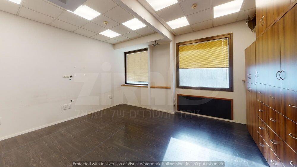 משרד בבניין בית עוז   קומה 8   שטח 184מ״ר    תמונה #0 - 1
