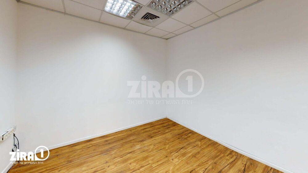 משרד בבניין בית קרדן | קומה 2 | שטח 12מ״ר  | תמונה #0 - 1