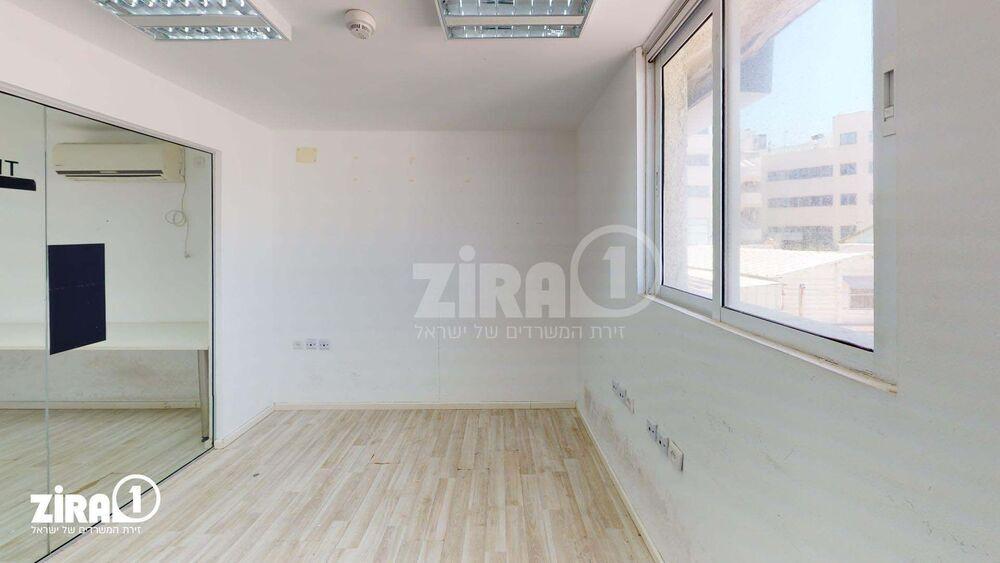 משרד בבניין מבני תל-עד  | קומה: 1 | שטח 60 תמונה | מ׳׳ר #3 - 1