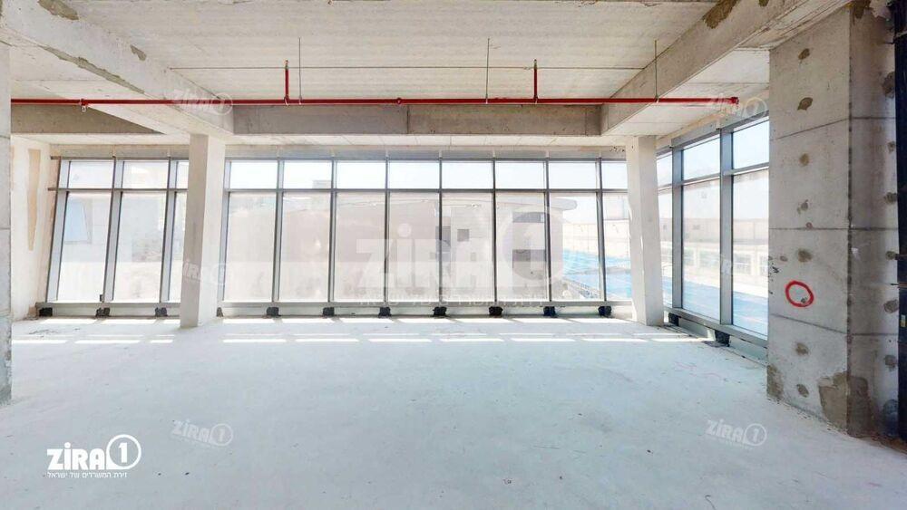 משרד בבניין בית ירון מילר   קומה 2   שטח 156מ״ר    תמונה #0 - 1