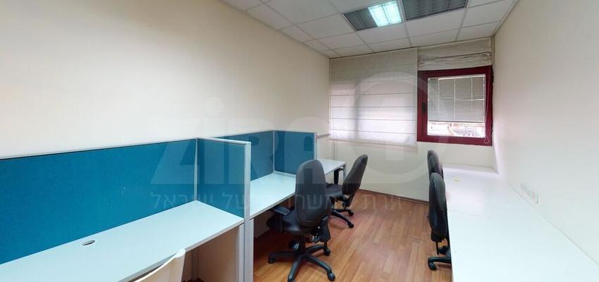 משרד בבניין בית גמא   קומה 1   שטח 115מ״ר    תמונה #0 - 1
