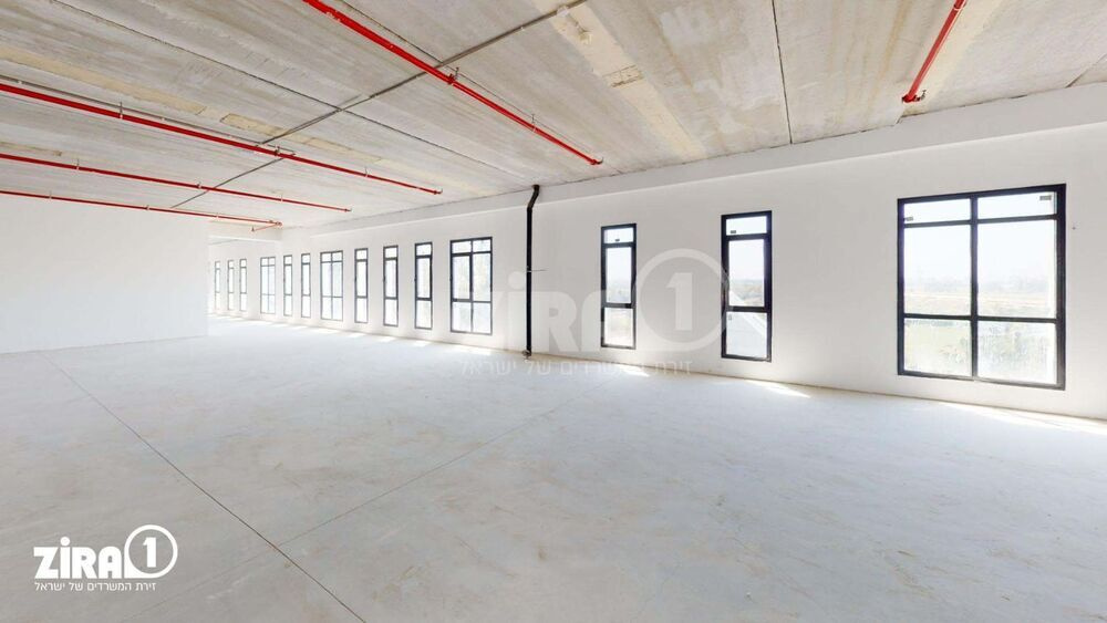 משרד בבניין בית המלאכה   קומה 4   שטח 600מ״ר    תמונה #0 - 1