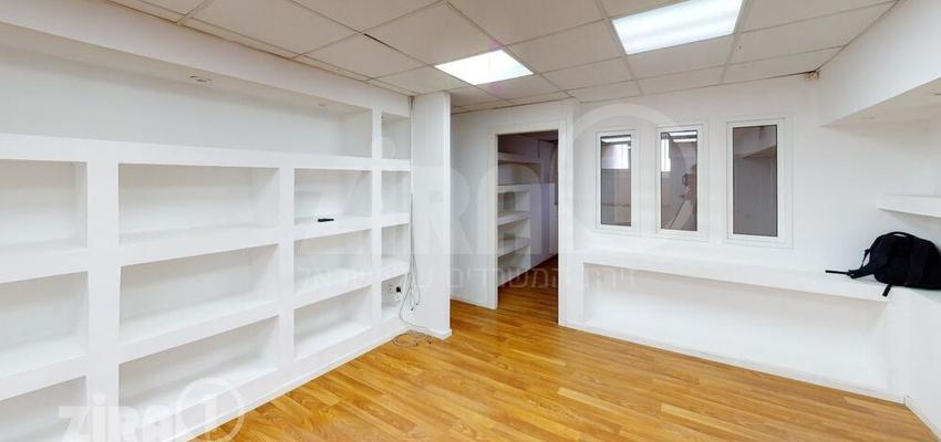 משרד בבניין בית טירן | קומה 1 | שטח 121מ״ר  | תמונה #0 - 1