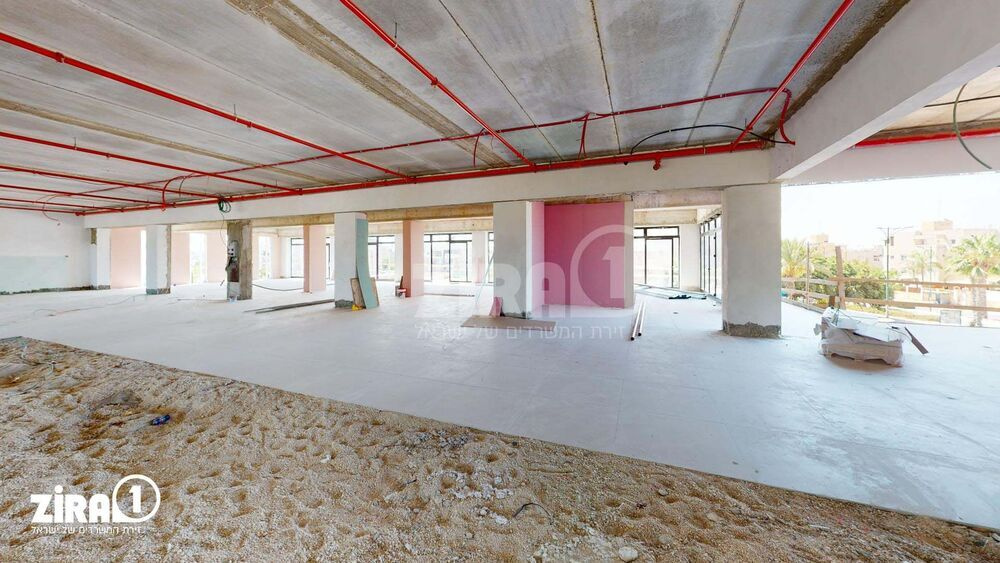 משרד בבניין דוד סנטר | קומה: 1 | שטח 1300 תמונה | מ׳׳ר #13 - 1