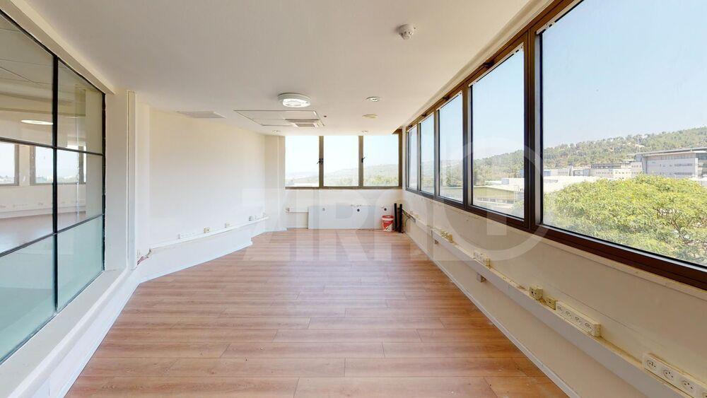 משרד בבניין בניין שלי בעמק | קומה: 1 | שטח 280 תמונה | מ׳׳ר #8 - 1