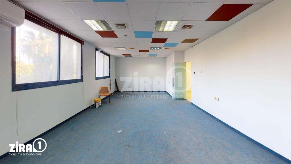 משרד בבניין בית כרמל | קומה: 1 | שטח 250 תמונה | מ׳׳ר #7 - 1