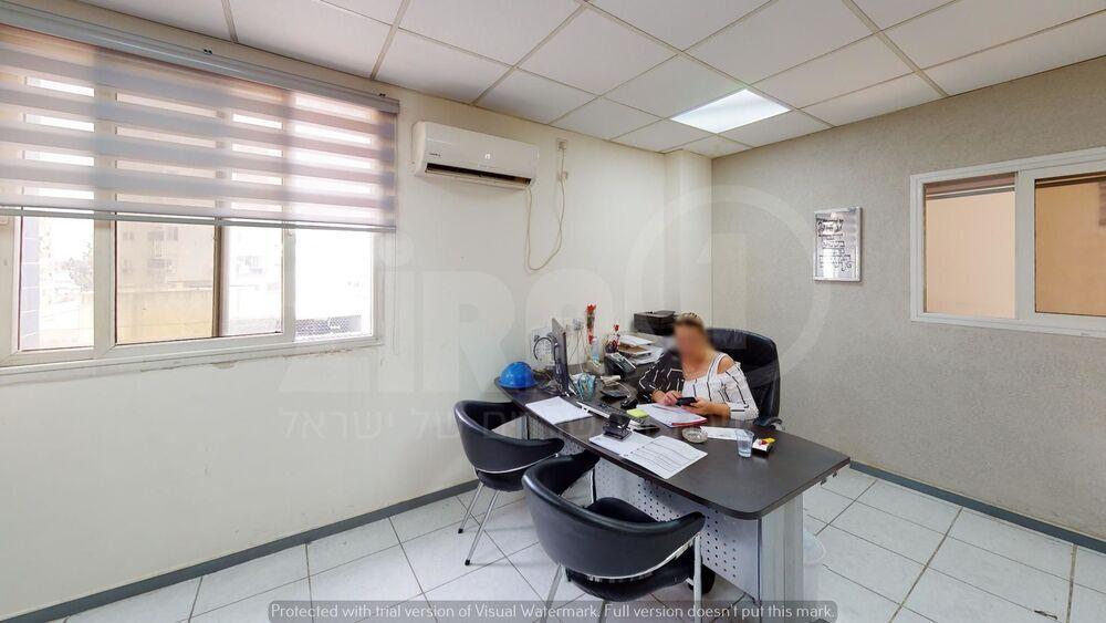 משרד בבניין מרכז הוד   קומה 2   שטח 54מ״ר    תמונה #0 - 1