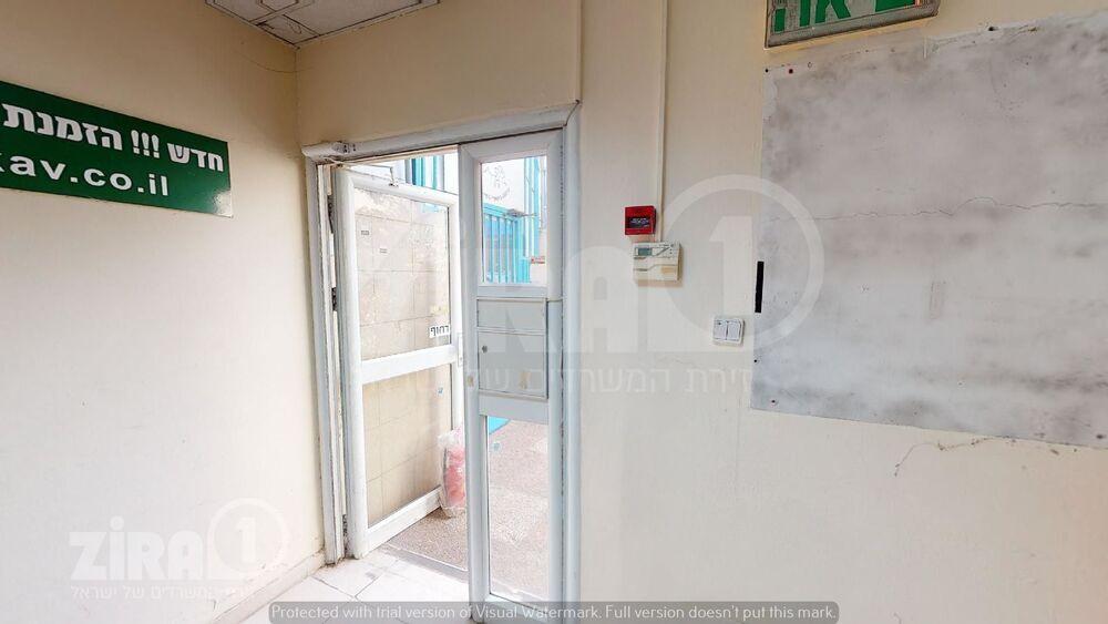 משרד בבניין  צבי פרנק ראשון לציון   קומה 1   שטח 300מ״ר    תמונה #0 - 1