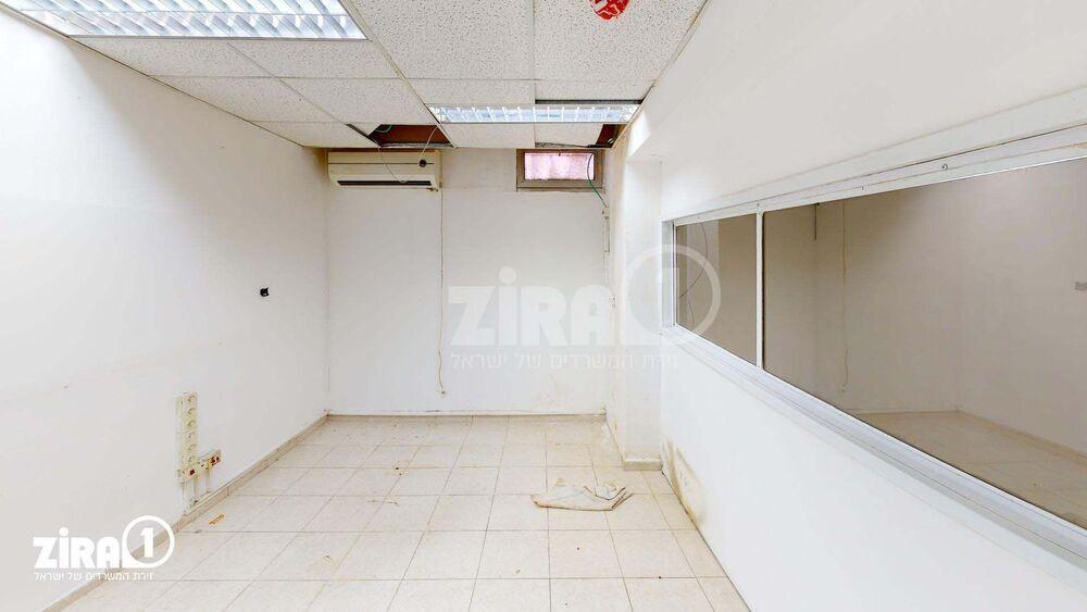 משרד בבניין בית הקרן - באר שבע | קומה -1 | שטח 32מ״ר  | תמונה #0 - 1
