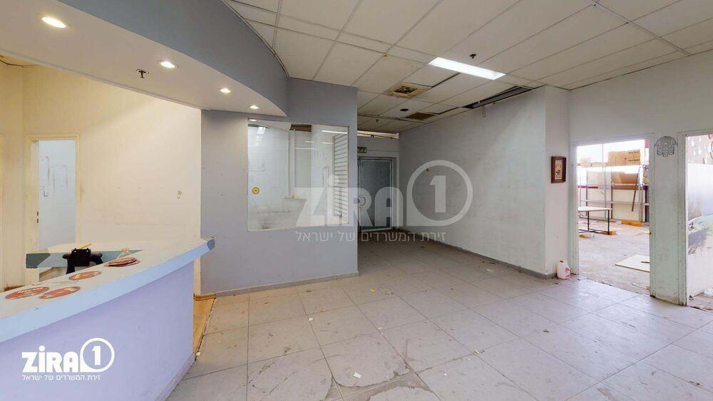 משרד בבניין דרייב אין סנטר  | קומה 1 | שטח 636מ״ר  | תמונה #0 - 1