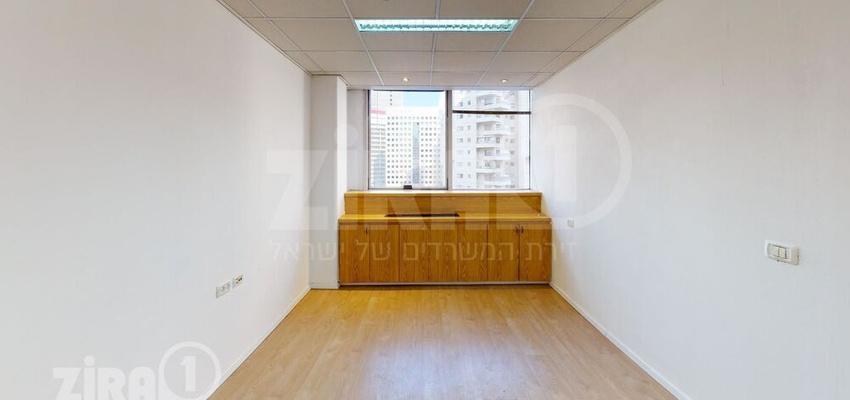 משרד בבניין מגדלי התאומים- בניין 1 | קומה 6 | שטח 22מ״ר  | תמונה #0 - 1