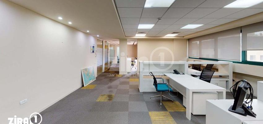 משרד בבניין הרכב 1   קומה 3   שטח 250מ״ר    תמונה #0 - 1