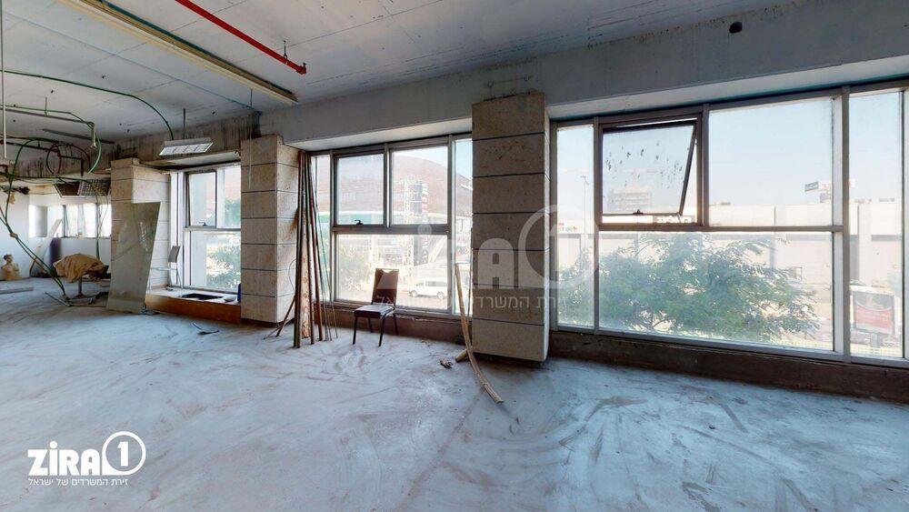 משרד בבניין בית מוסקט | קומה: 1 | שטח 250 תמונה | מ׳׳ר #15 - 1