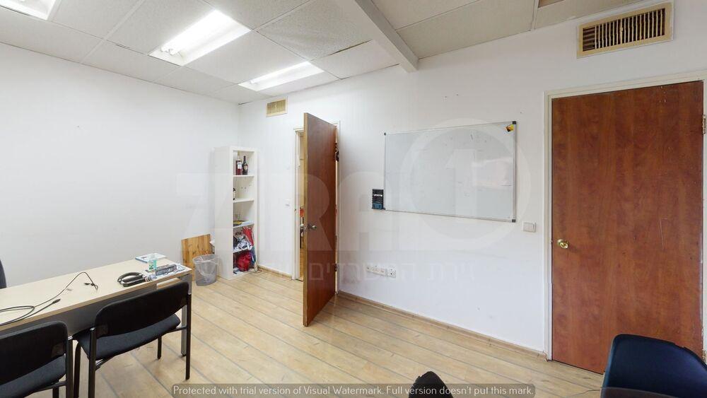 משרד בבניין בית יעקב | קומה 3 | שטח 285מ״ר  | תמונה #0 - 1