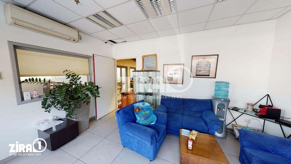 משרד בבניין בית סוסטיאל | קומה: 1 | שטח 498 תמונה | מ׳׳ר #5 - 1