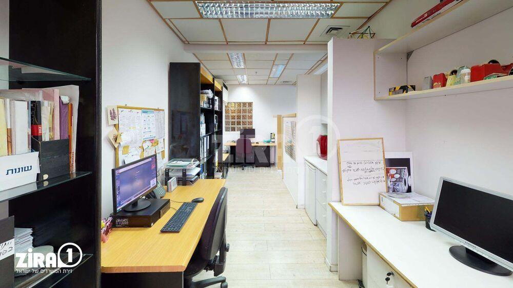 משרד בבניין בית זילברמינץ | קומה 1 | שטח 56מ״ר  | תמונה #0 - 1