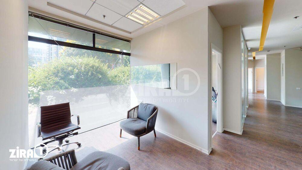 משרד בבניין בית אמפא - ספיר 5 | קומה 1 | שטח 160מ״ר  | תמונה #0 - 1
