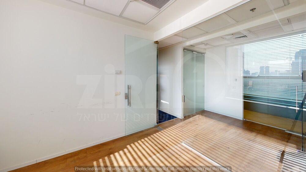 משרד בבניין מגדלי פז- 1   קומה 19   שטח 127מ״ר    תמונה #0 - 1