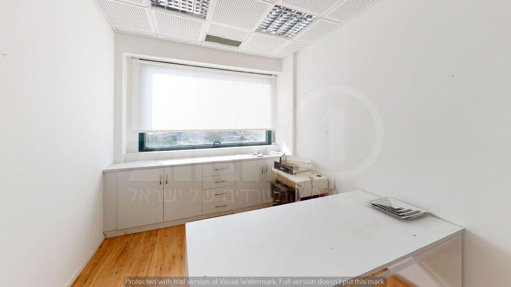 משרד בבניין מגדלי פז- 1 | קומה 9 | שטח 110מ״ר  | תמונה #0 - 1