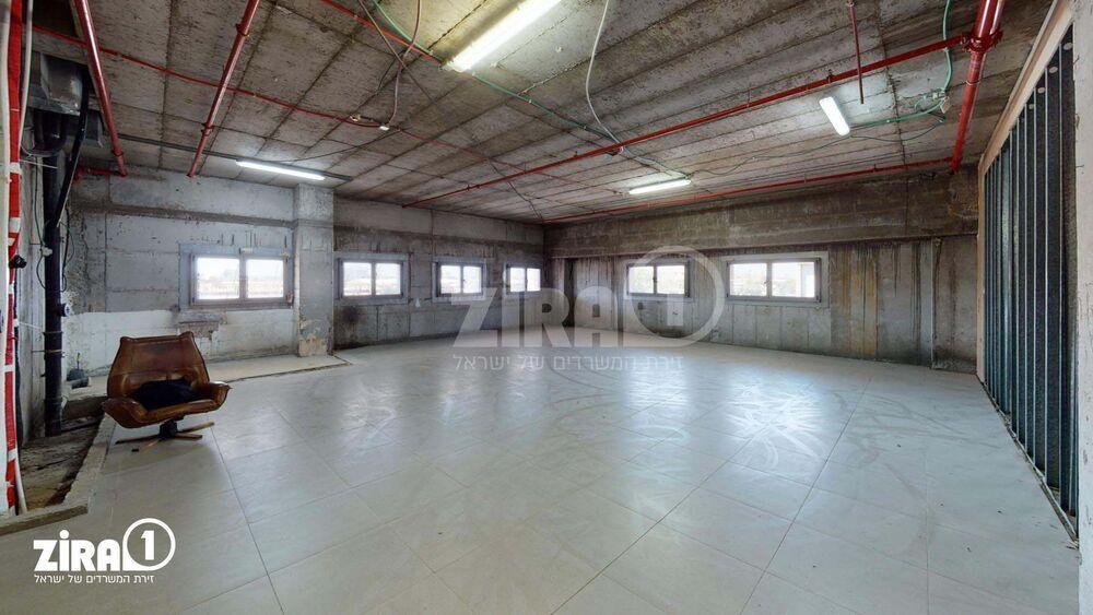 משרד בבניין בית פרובאנס   קומה 1   שטח 900מ״ר    תמונה #0 - 1
