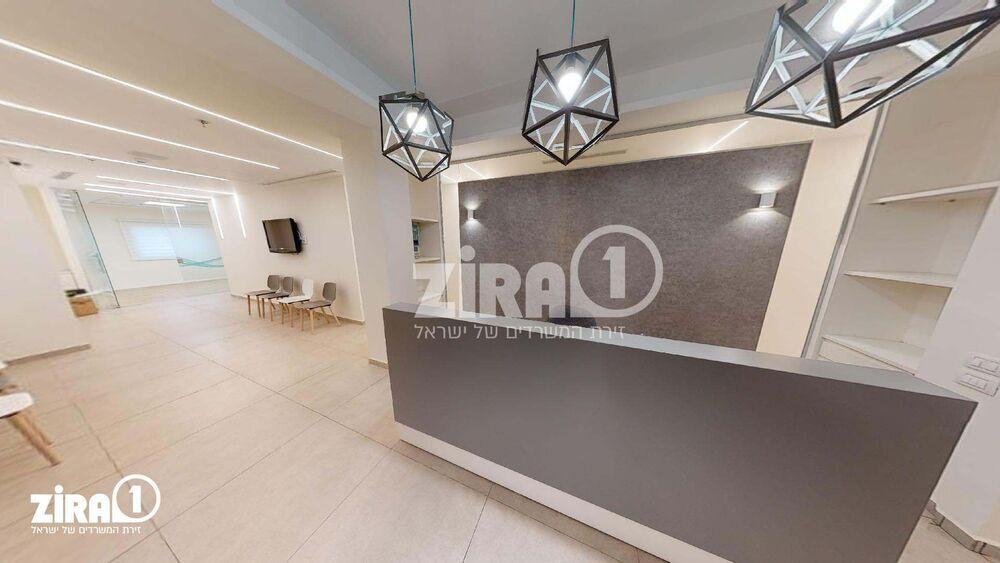 משרד בבניין מרכז לב אחוזה | קומה: 1 | שטח 200 תמונה | מ׳׳ר #2 - 1