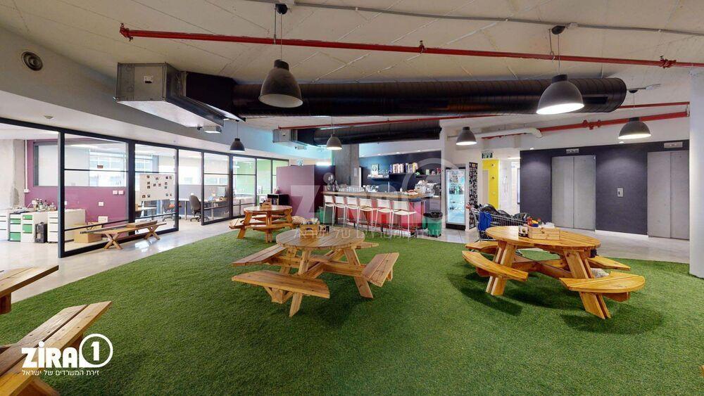 משרד בבניין בית טלדאטה | קומה: 1 | שטח 1000 תמונה | מ׳׳ר #20 - 1