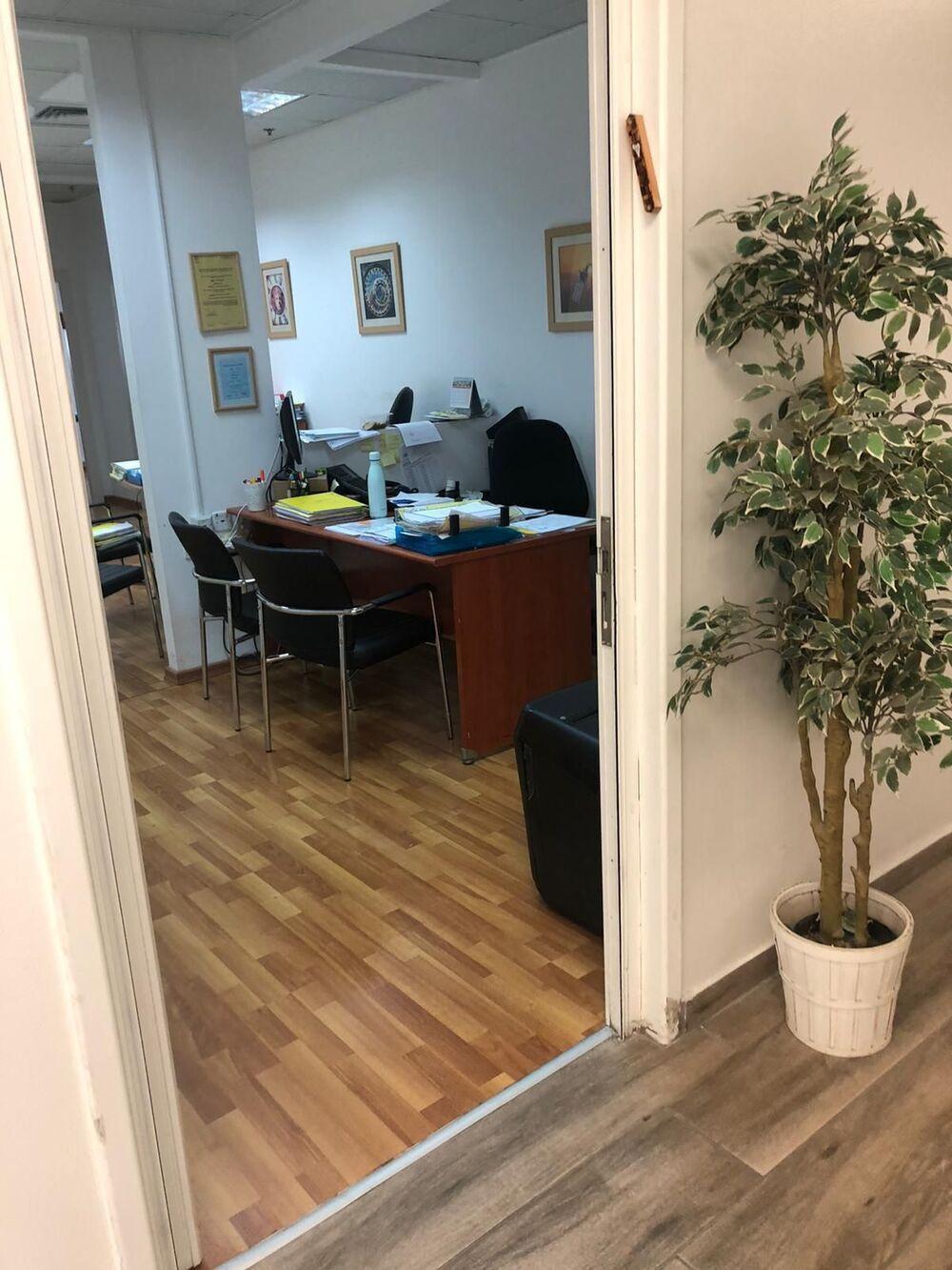 משרד בבניין קניון G רוטשילד   קומה 1   שטח 65מ״ר    תמונה #0 - 1