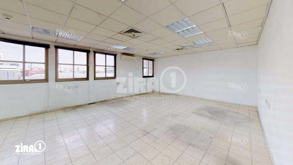 משרד בבניין גינזבורג 12 | קומה: 2 | שטח 400 תמונה | מ׳׳ר #17 - 1