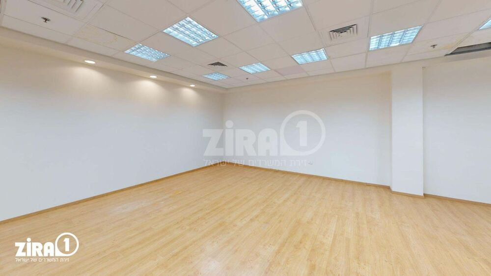 משרד בבניין השקמה 3   קומה 3   שטח 170מ״ר    תמונה #0 - 1