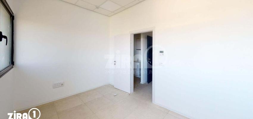 משרד בבניין בניין קורן 2   קומה 7   שטח 33מ״ר    תמונה #0 - 1